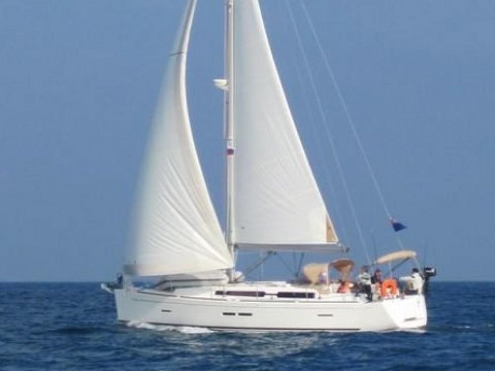 Rental yacht  - Dufour Dufour 405 on SamBoat