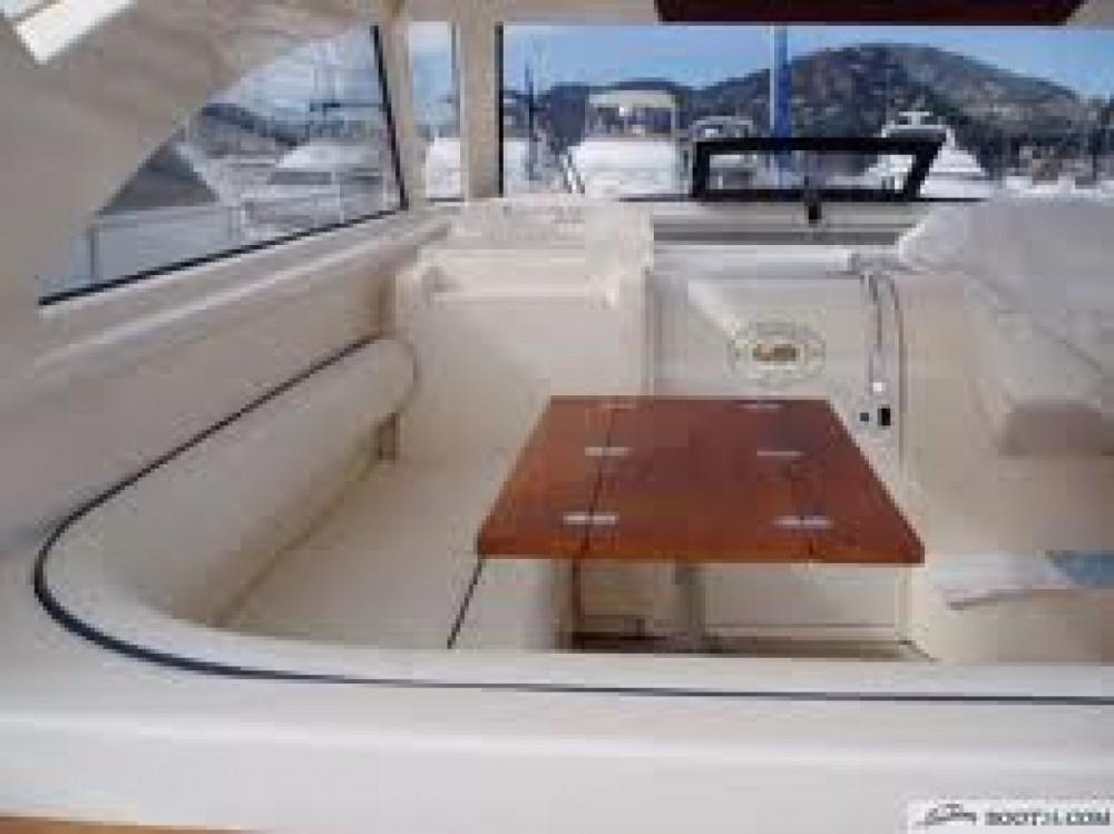 Rental Yacht in Porto Baia Caddinas - Cnt cayman38wa
