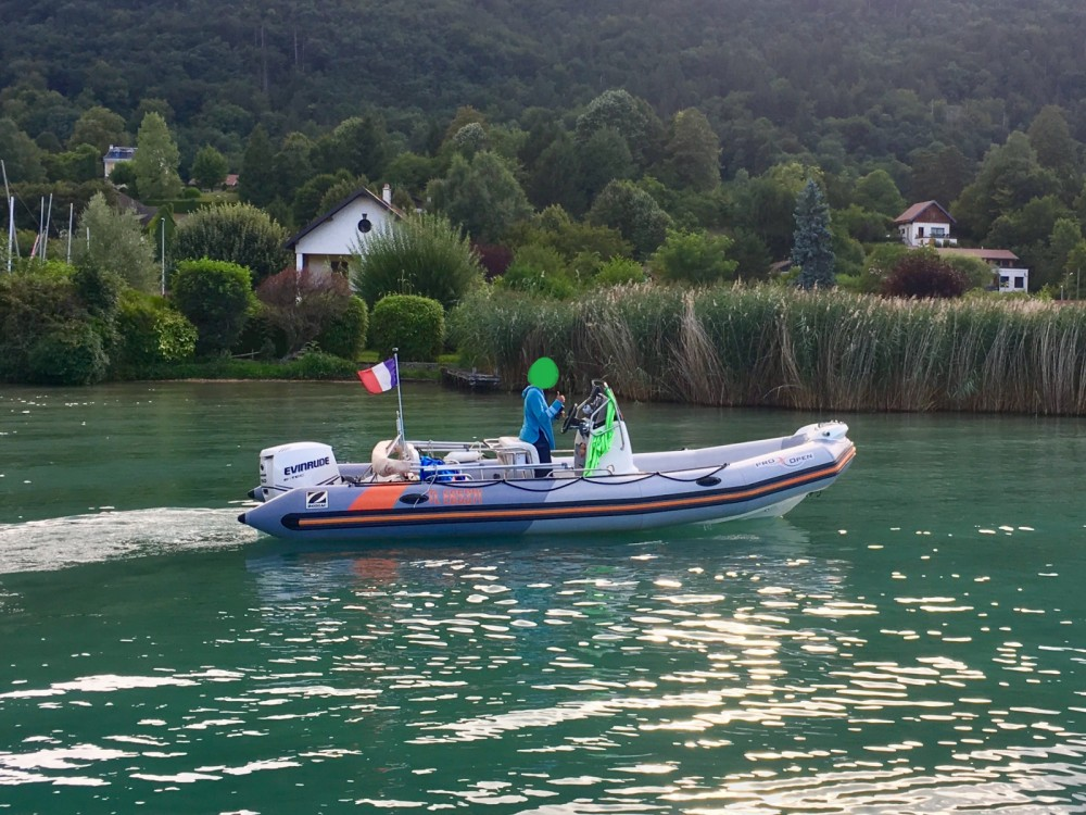 RIB for rent Albigny-sur-Saône at the best price