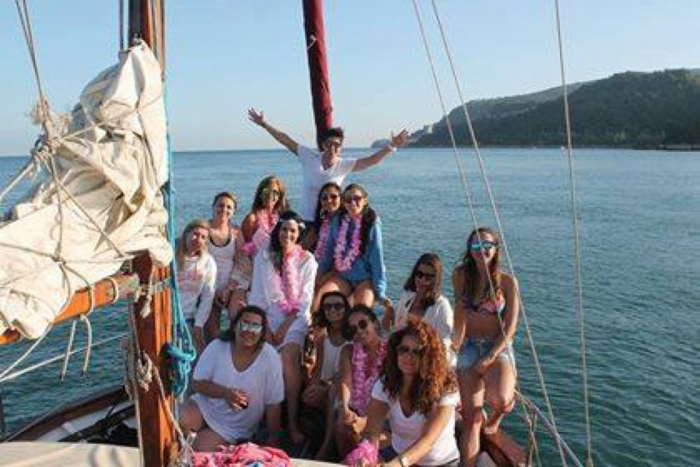 Hire Sailboat with or without skipper Mallorquina  Setúbal