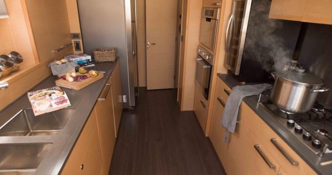 Boat rental Salerno cheap Lagoon 620