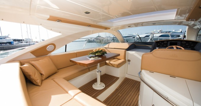 Rental Motorboat in Carloforte - Astondoa 43 HT