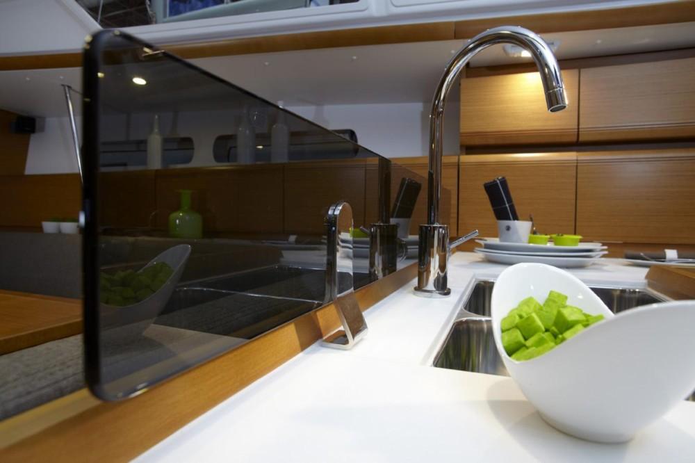Boat rental Jeanneau Sun Odyssey 449 in Marina d'Arechi on Samboat