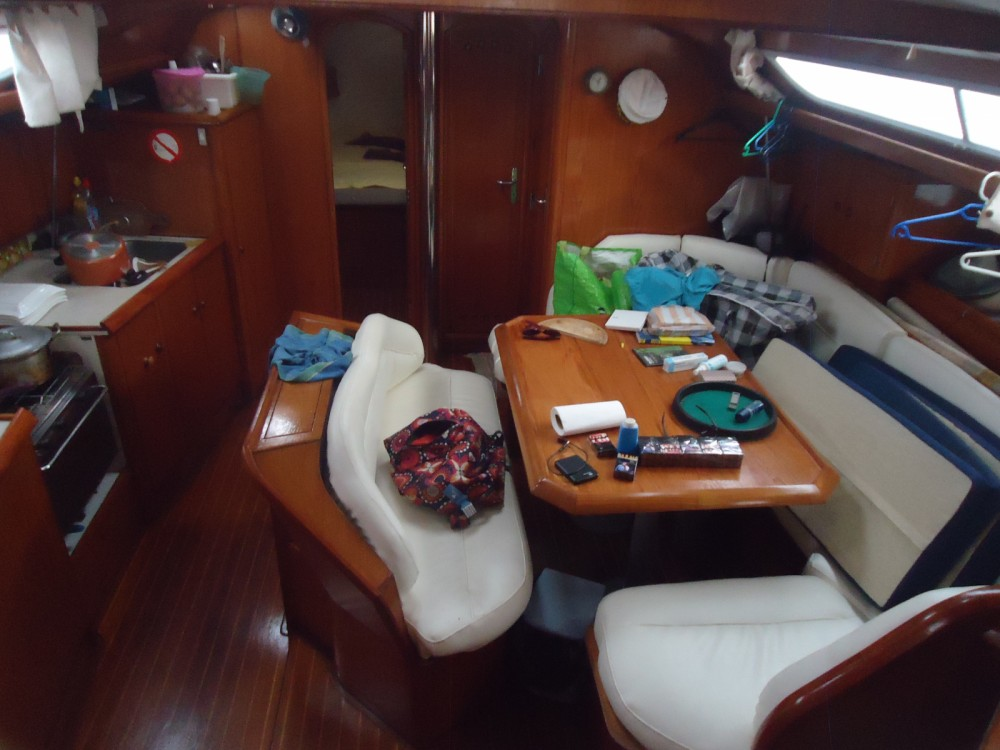 Hire Sailboat with or without skipper Jeanneau Mahatalaky