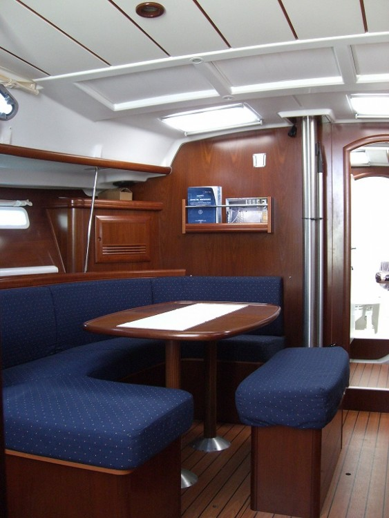 Sailboat for rent Badalona at the best price