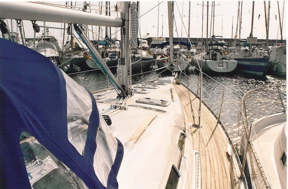 Hire Sailboat with or without skipper Bénéteau Badalona