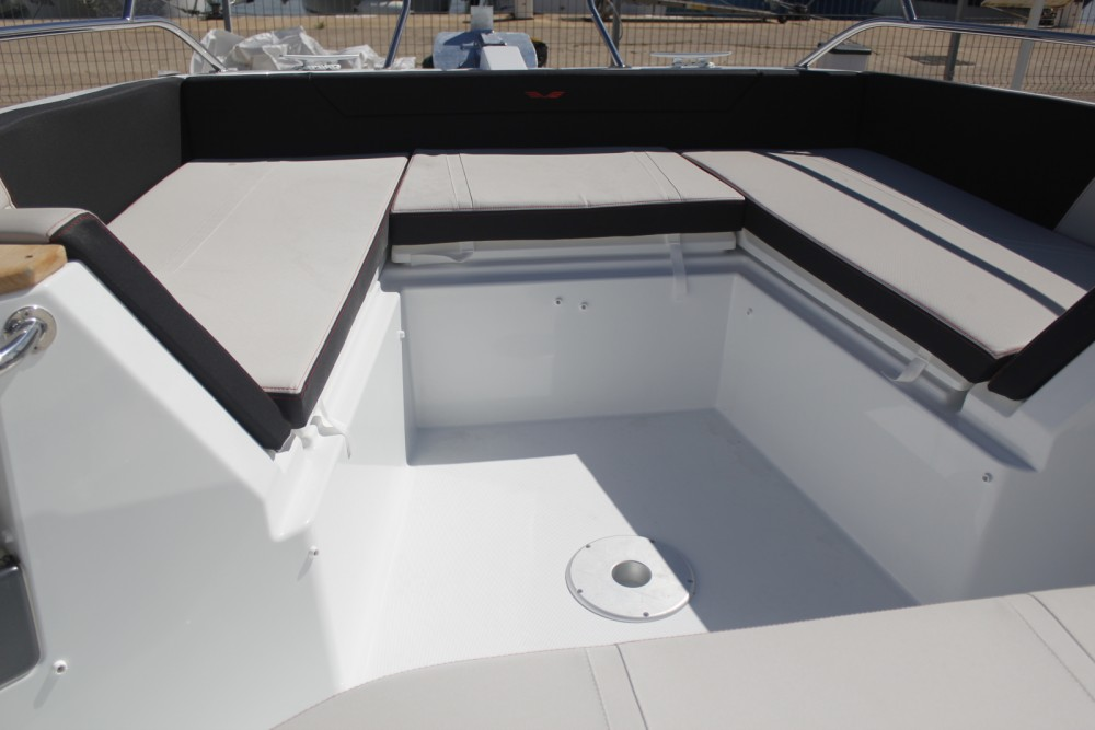 Motor boat for rent Torroella de Montgrí at the best price