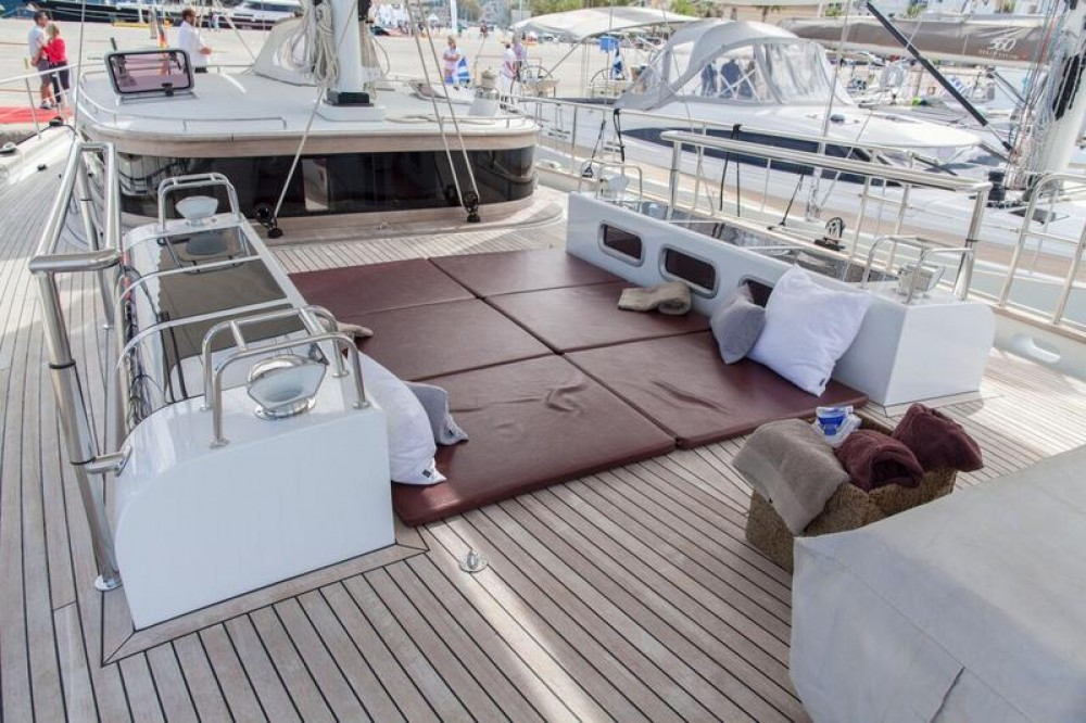 Rental Sailboat in Lefkada - Dixon Yacht Design Opus 68