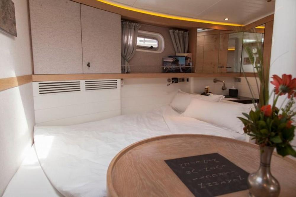 Boat rental Dixon Yacht Design Opus 68 in Lefkada on Samboat
