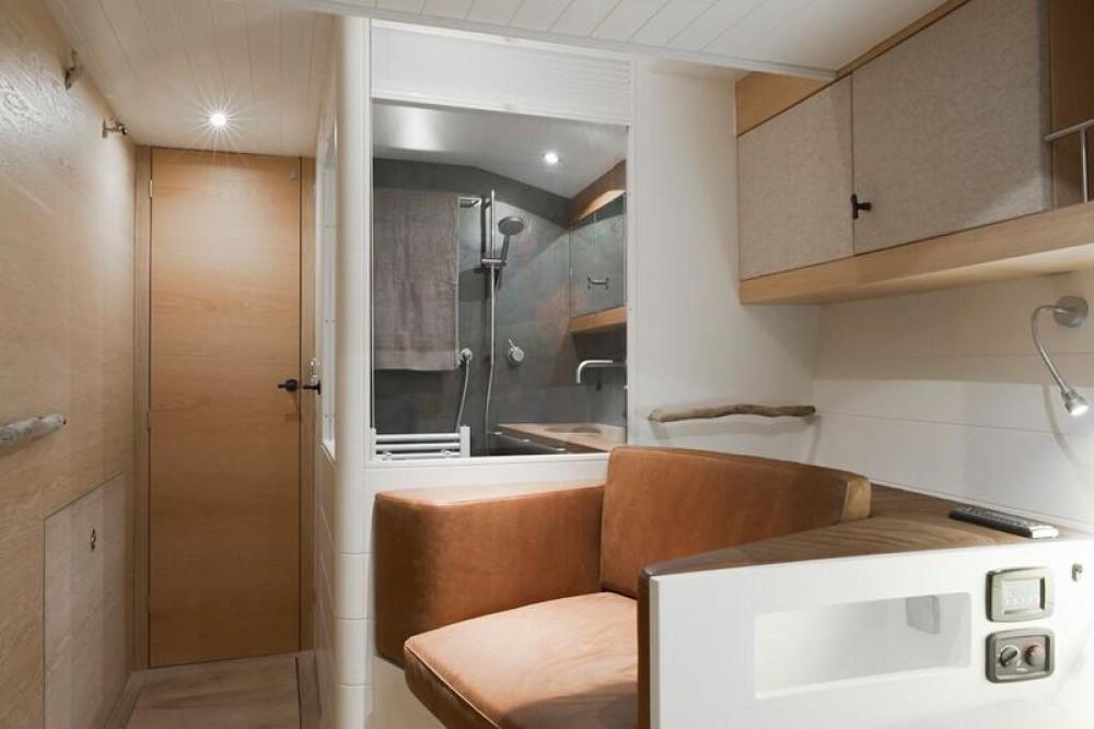 Boat rental Lefkada cheap Opus 68
