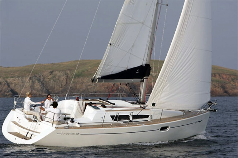 Hire Sailboat with or without skipper Jeanneau Corfou