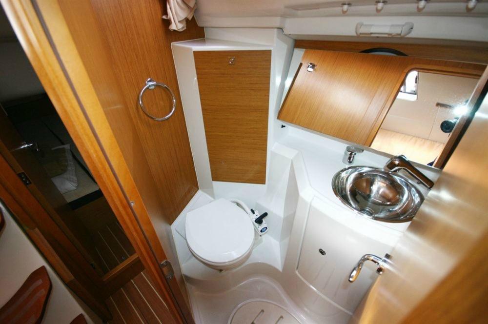 Boat rental Jeanneau Sun Odyssey 36i in Corfou on Samboat