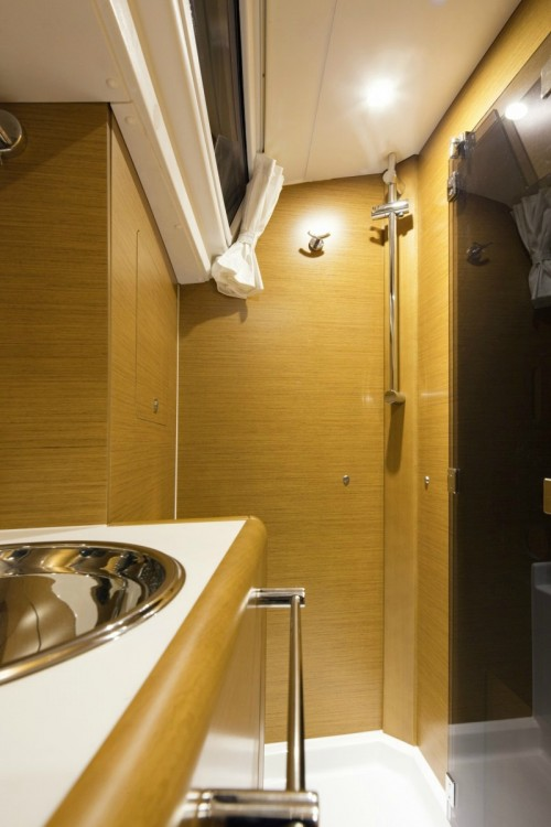Jeanneau Sun Odyssey 409 between personal and professional Skiathos