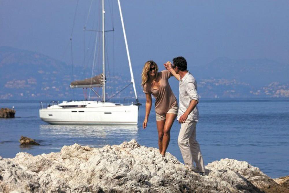 Boat rental Jeanneau Sun Odyssey 419 in Corfu on Samboat