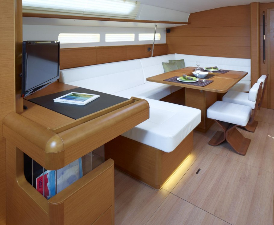 Rental yacht Attica - Jeanneau Sun Odyssey 519 on SamBoat
