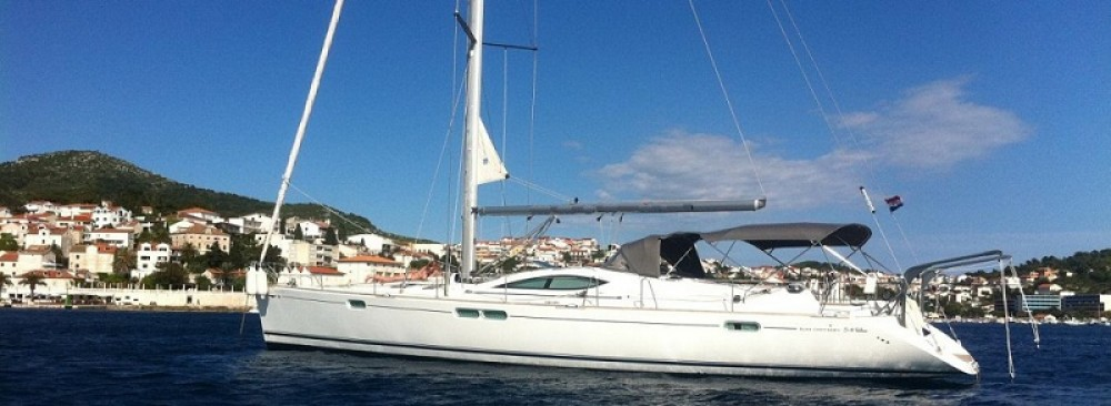 Jeanneau Sun Odyssey 54 DS between personal and professional Attica