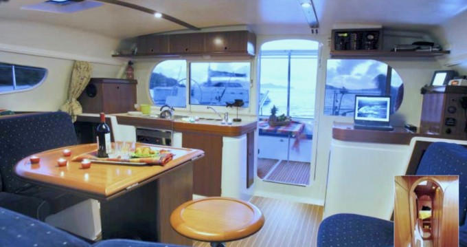 Hire Catamaran with or without skipper Nautitech Hell-Ville