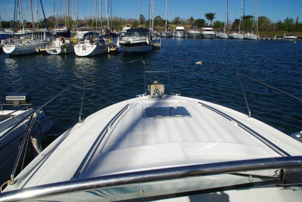 Motorboat for rent Canet-en-Roussillon at the best price