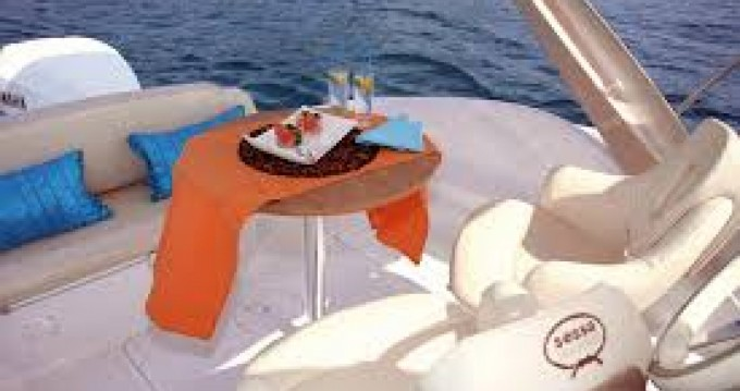 Hire Motorboat with or without skipper Sessa Marine Toulon Ferry Port