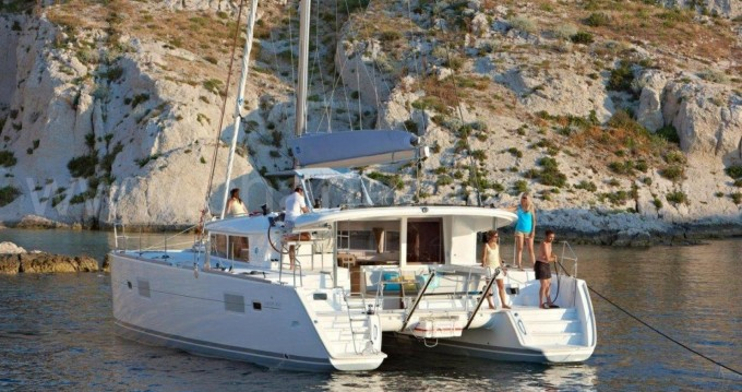 Rent a Lagoon Lagoon 400 Ibiza Town