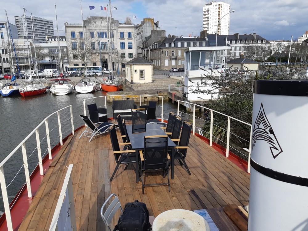 Rental Yacht in Brittany - Remorqueur  250 cv