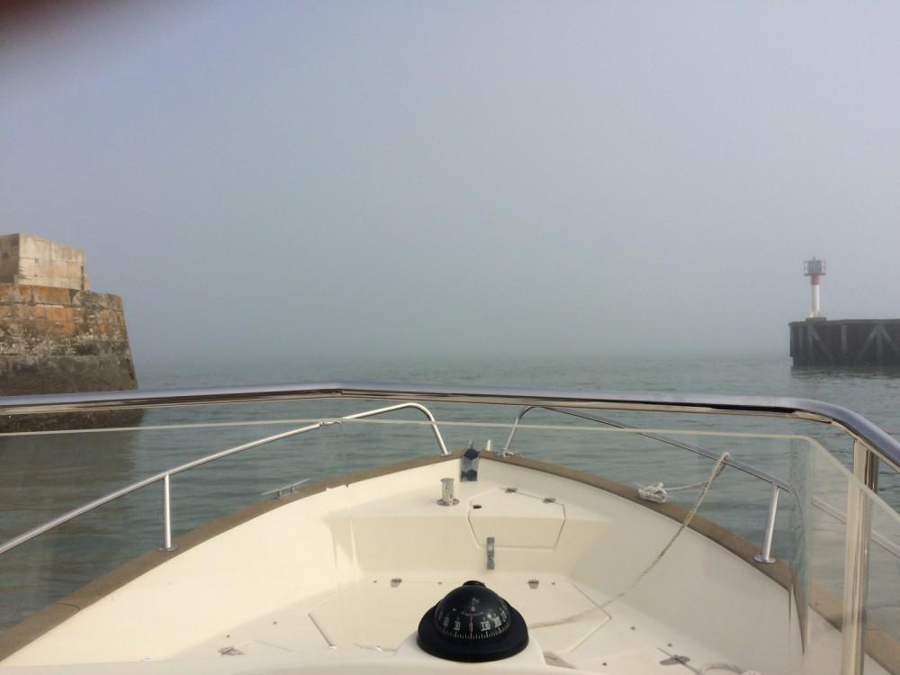 Boat rental Rhea-Marine RHEA OPEN 23 in Saint-Martin-de-Ré on Samboat