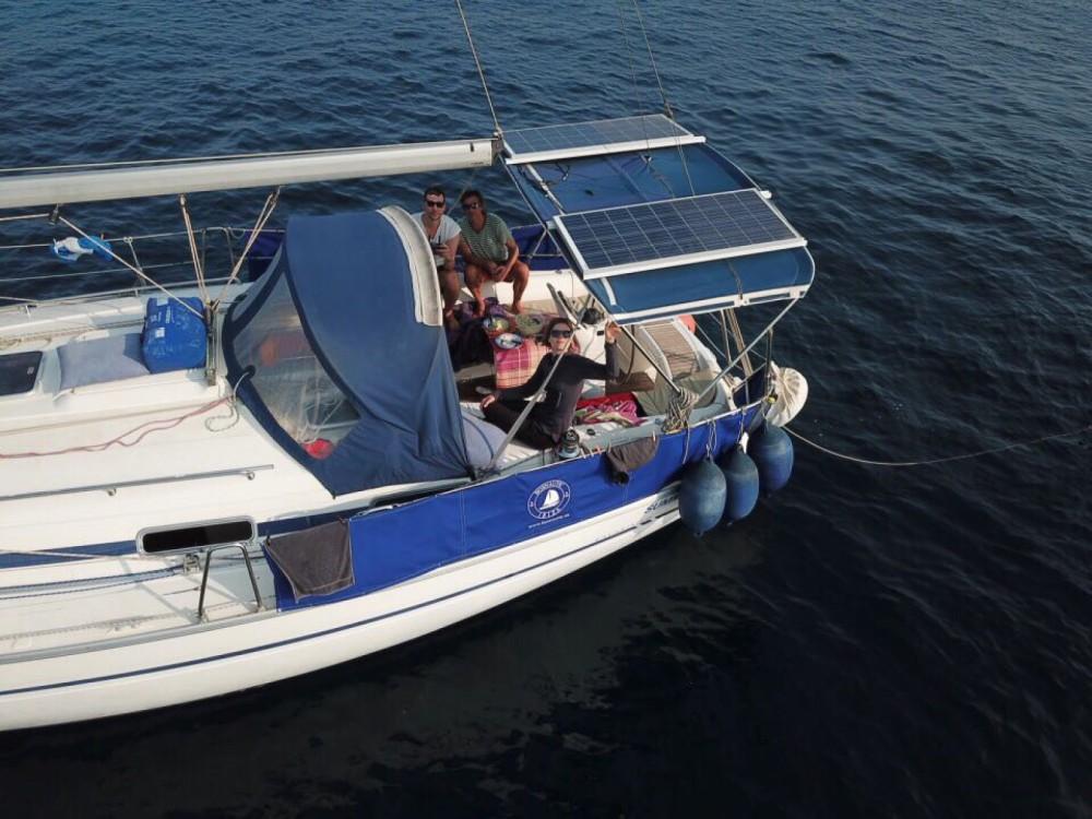 Boat rental Bavaria Bavaria 40 in Ibiza on Samboat