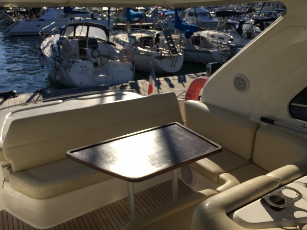 Boat rental Bavaria Bavaria 38 Hard Top in Cannes on Samboat