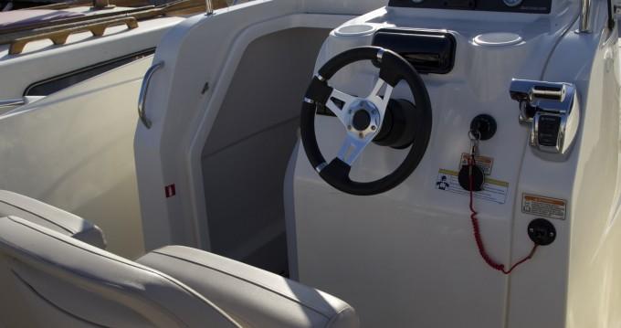 Rental Motorboat in Agay - Quicksilver Activ 675 Open
