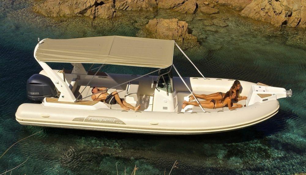 Boat rental Capelli Tempest 700 in Fréjus on Samboat