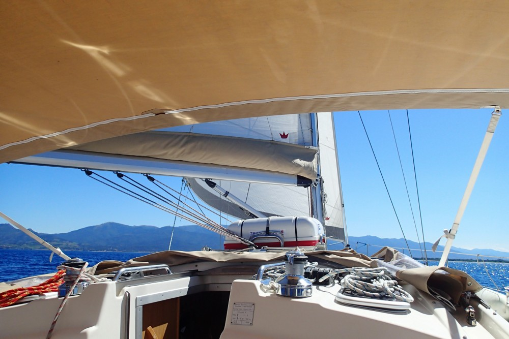 Boat rental Bavaria 39 Cruiser in Canet-en-Roussillon on Samboat