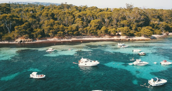 Hire Motorboat with or without skipper Prestige Antibes