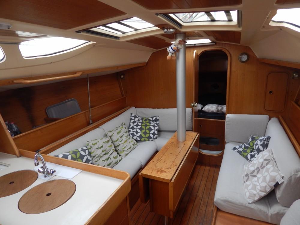 Rental Sailboat in Locmiquélic - Bénéteau Oceanis 350