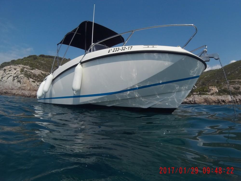 Boat rental Quicksilver Activ 555 Open in Sitges on Samboat