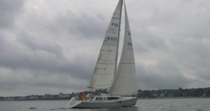 Boat rental Kirie Feeling 326 in Brest on Samboat