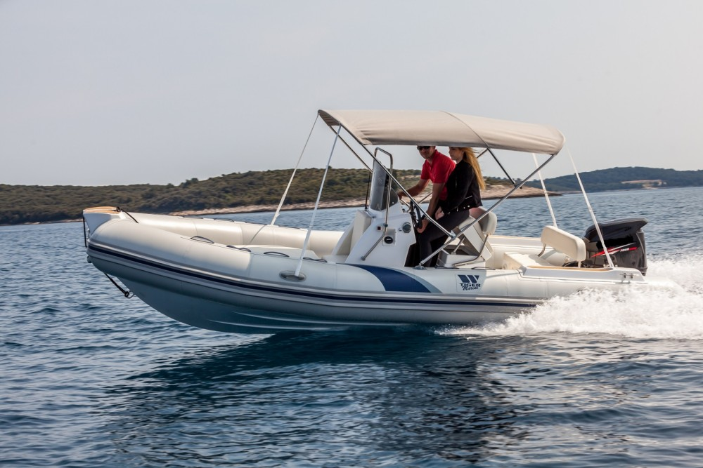 Boat rental Tiger SPORTLINE 550 in Vrsar on Samboat