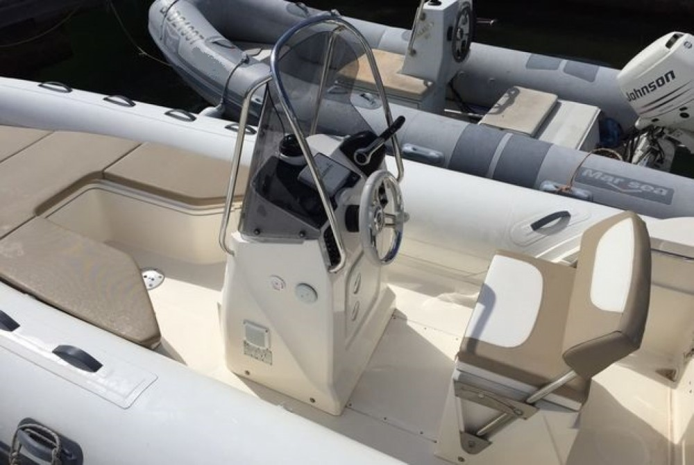 Hire RIB with or without skipper Capelli Saint-Georges-de-Didonne