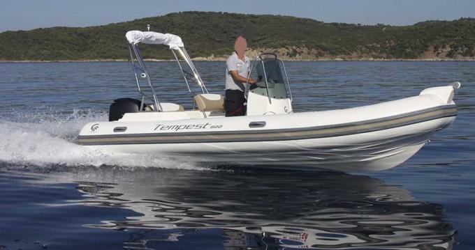 Boat rental Capelli Tempest 600 in Saint-Georges-de-Didonne on Samboat