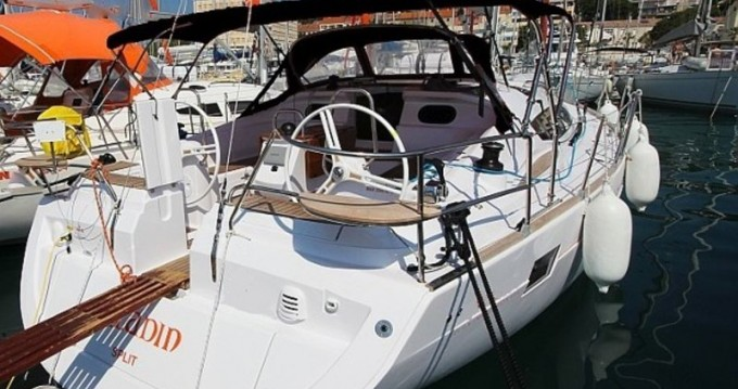 Rental Sailboat in Primošten - Elan Impression 444