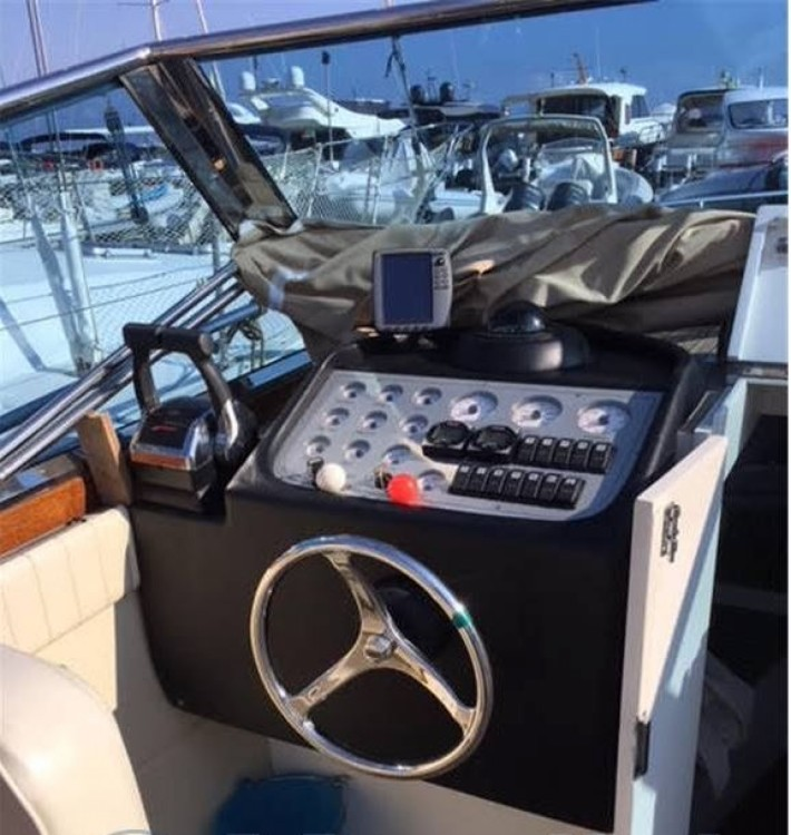 Rental Motor boat Cantiere Del Sud  with a permit