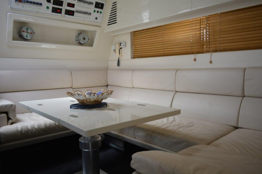 Motor boat for rent Porto-Vecchio at the best price