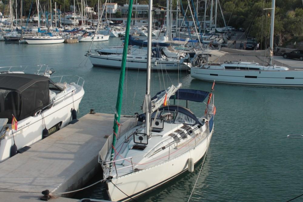 Hire Sailboat with or without skipper Bénéteau Le Grau-du-Roi
