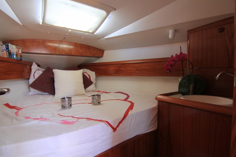 Boat rental Port Navalo cheap Sun Odyssey 36.2