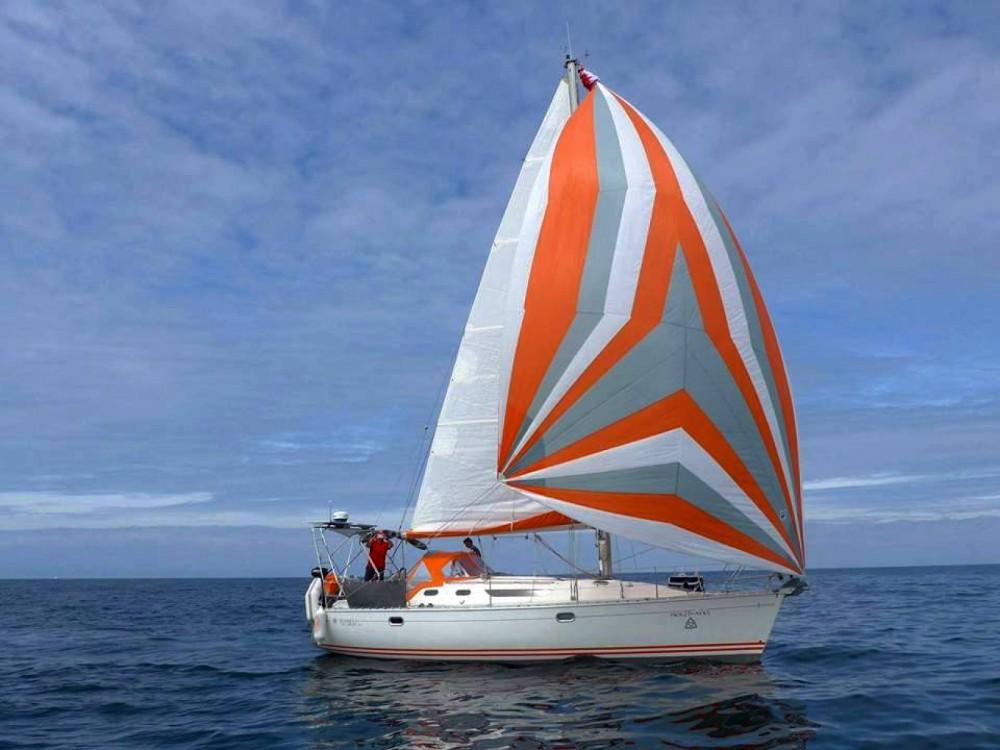 Boat rental Jeanneau Sun Odyssey 36.2 in Port Navalo on Samboat