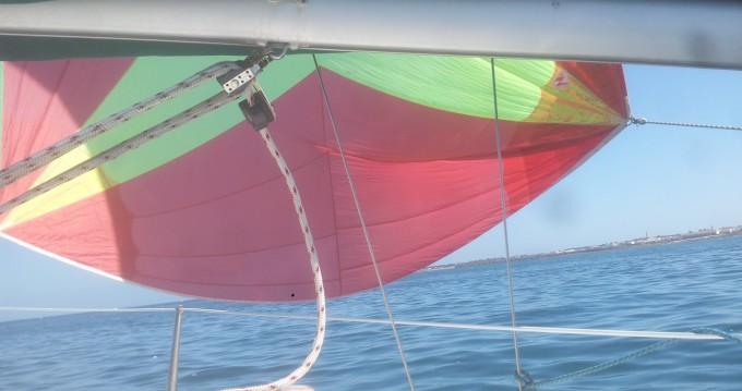 Rental Sailboat in Port-Joinville - Jeanneau Sun 2000