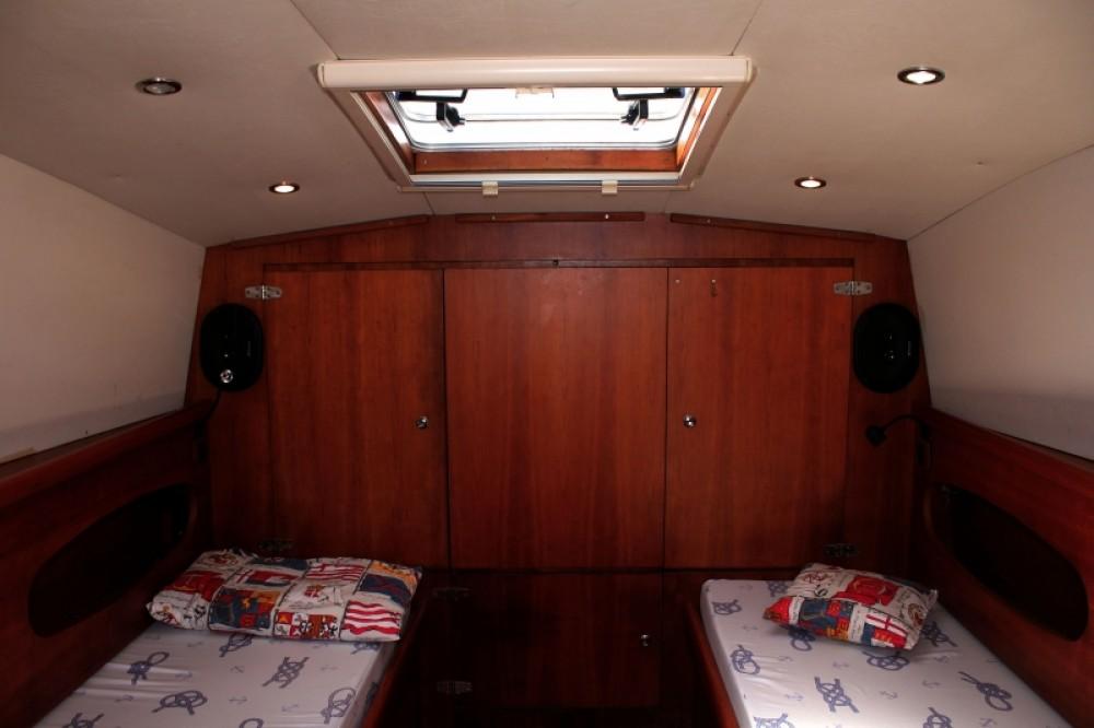Boat rental Lomac Airone40 in Split on Samboat