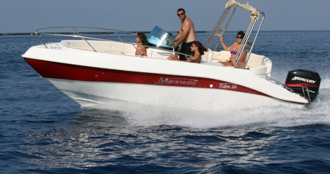 Motorboat for rent Sant Amanç at the best price