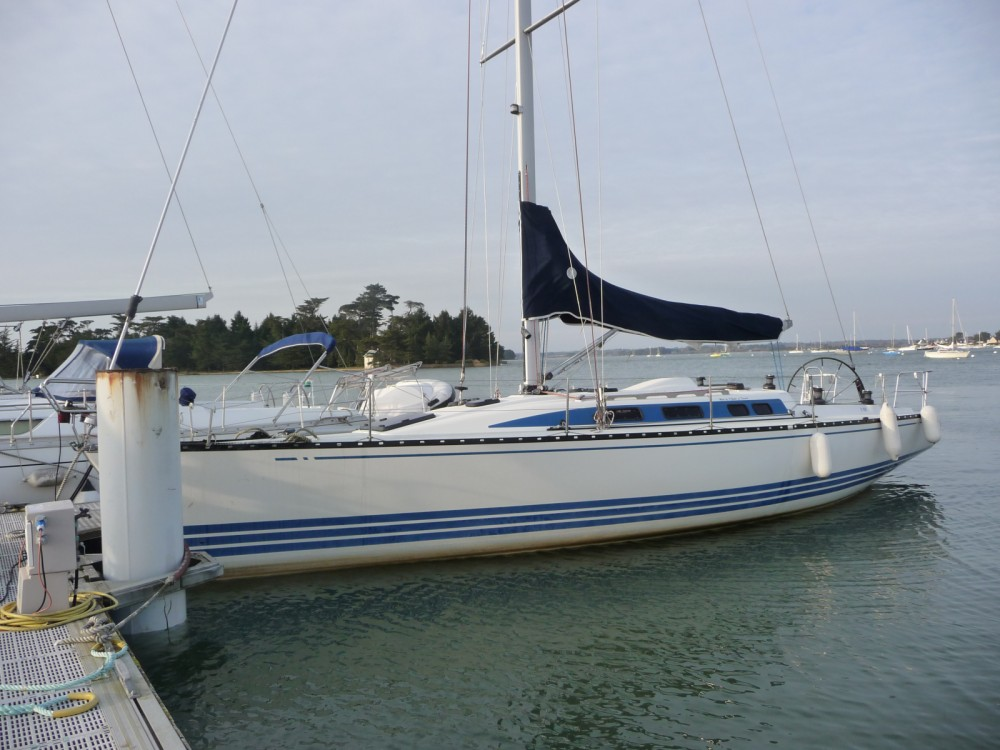 Rental Sailboat in Loctudy - X-Yachts X-412