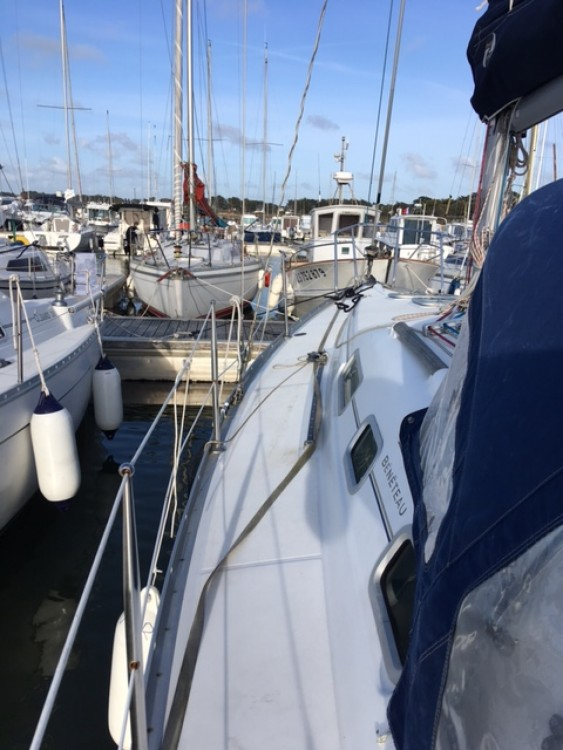 Hire Sailboat with or without skipper Bénéteau Pornichet