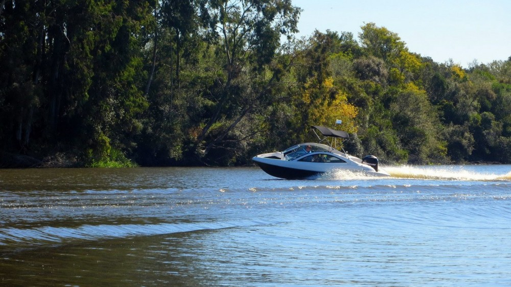 Motor boat for rent Tigre at the best price